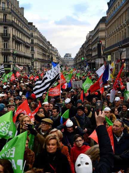 Protesto contra reforma da Previdência fecha maior hidro-eléctrica da França