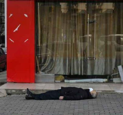 Mortes causadas por coronavírus aumentam e China encara mais restrições na fronteira