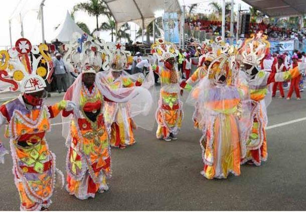 Grupo Brilhos da Lunda quer revalidar título do Carnaval