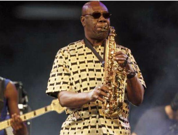 Morreu o saxofonista camaronês Manu Dibango