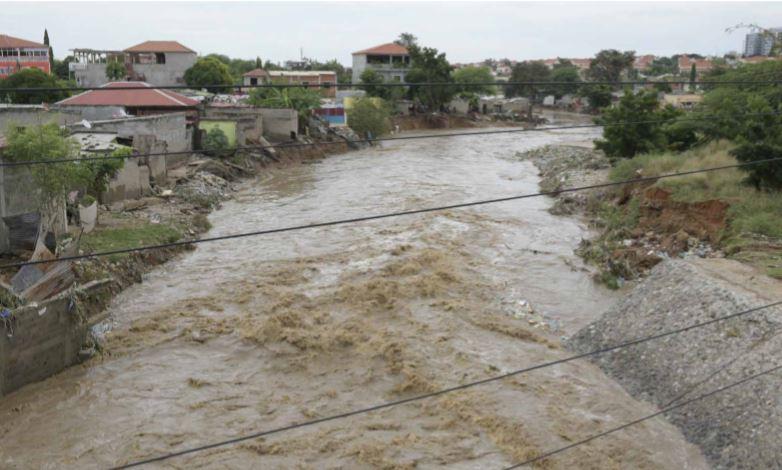 Chuva: 11 mortos e 13 desaparecidos