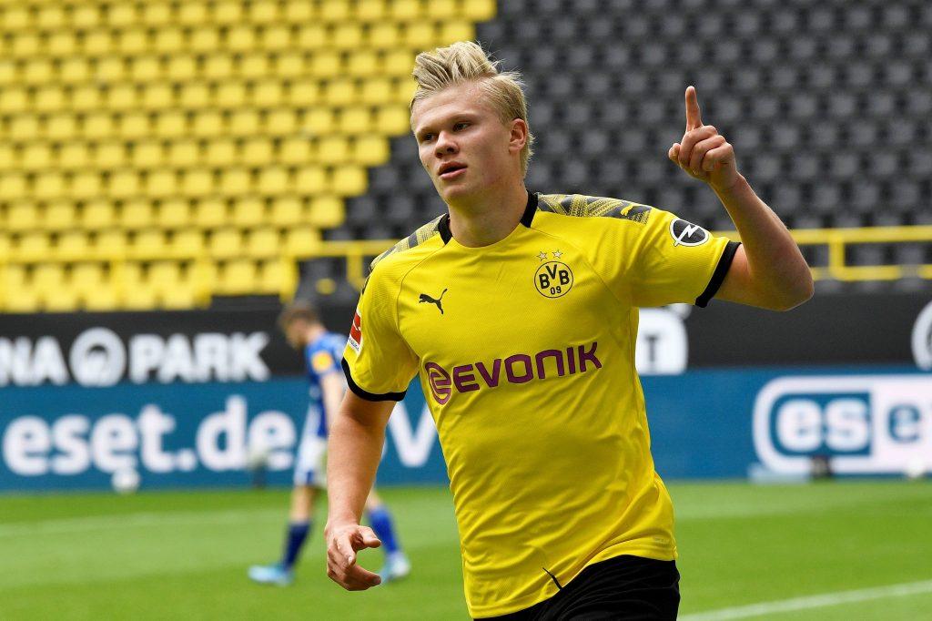 Dortmund goleia no regresso da Bundesliga com bis de Guerreiro