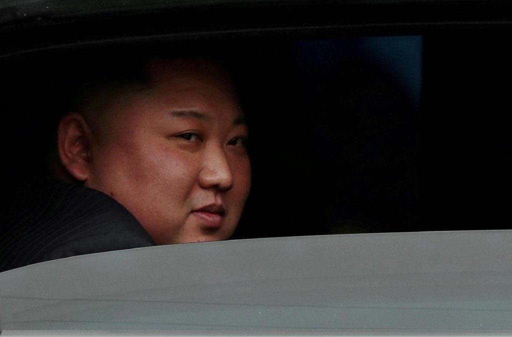 Kim Jong-un volta a 'desaparecer' após visita a fábrica na Coreia do Norte