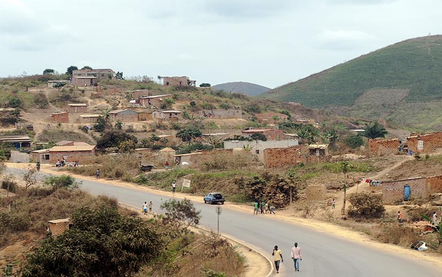 Administração de Mbanza Kongo confisca terrenos abandonados
