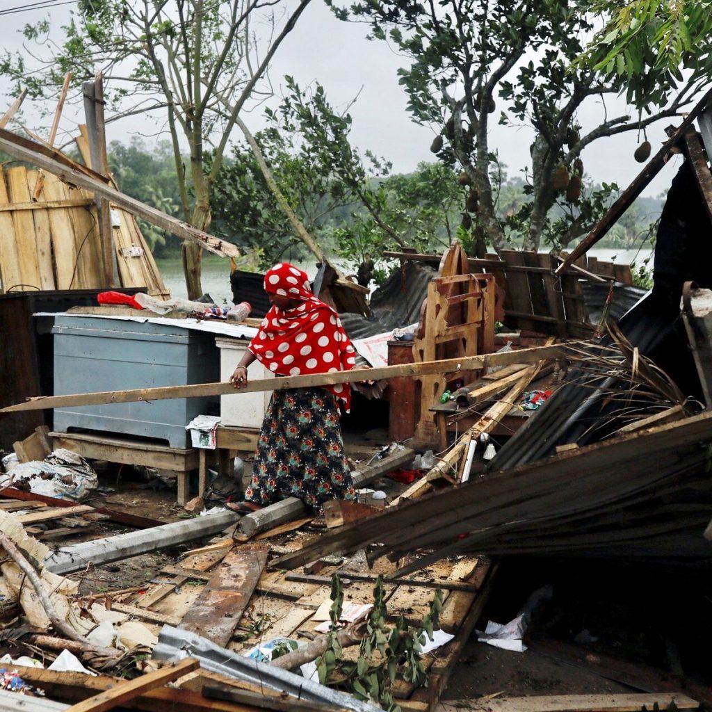 Ciclone mata ao menos 82 e inunda partes da Índia e do Bangladesh