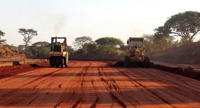 Comissão de Supervisão do Namibe exige rigor nas obras do PIIM