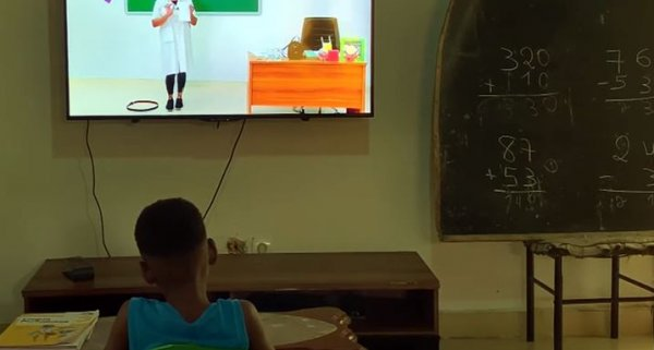 Tele-aulas ganham espaço em tempo de confinamento social