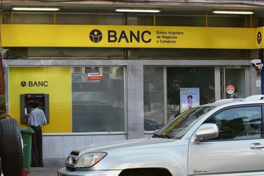 Funcionários do BANC sem salários há 16 meses e correndo o risco de serem despejados