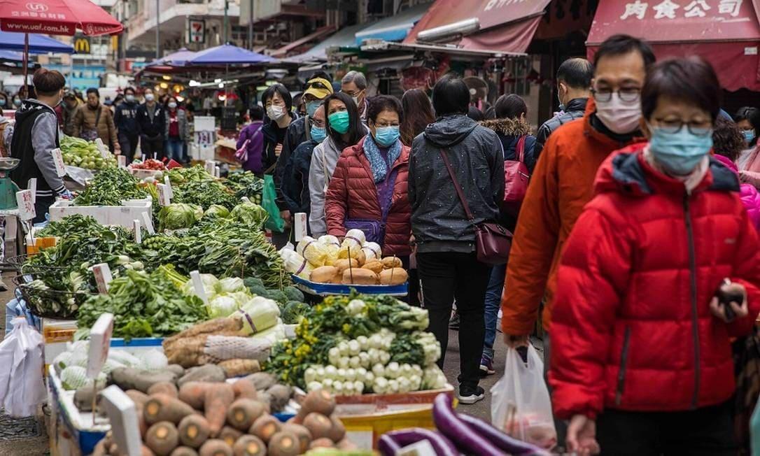 Não há evidências de transmissão de Covid-19 através de alimentos, diz especialista chinês