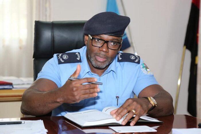 Comandante da Polícia na Huíla ausculta promotores de eventos e donos de casas nocturnas