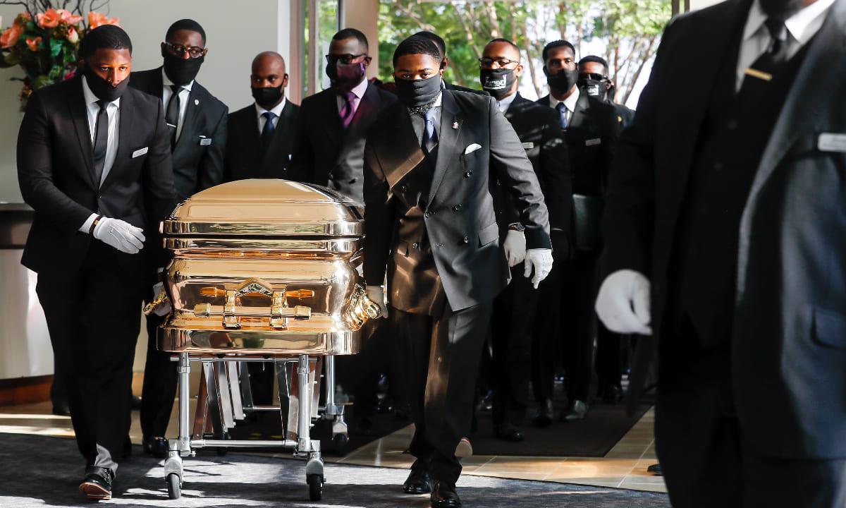 Enterro de George Floyd ocorre em meio a aumento de protestos contra racismo no mundo