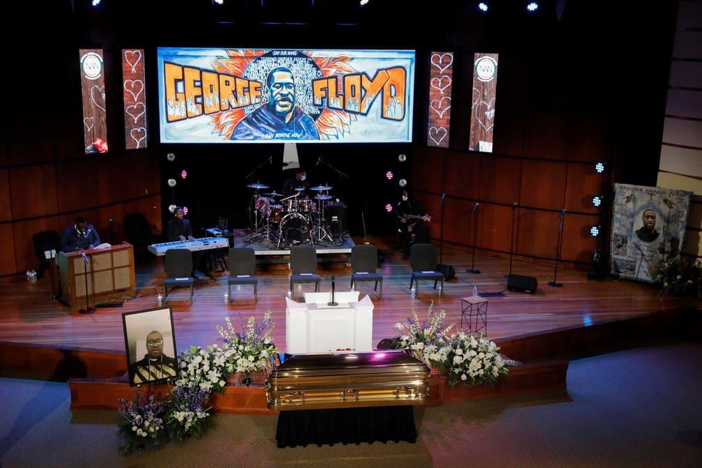 George Floyd é homenageado em funeral em Mineápolis após onda de protestos