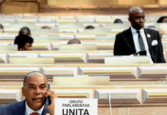 Deputados da UNITA disponibilizam mais de 14 milhões de kwanzas para a luta contra a Covid-19