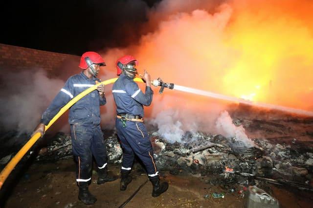 Incêndio provoca morto e dois feridos no Soyo