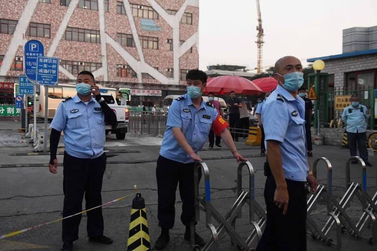 Pequim reactiva restrições devido ao ressurgimento do coronavírus