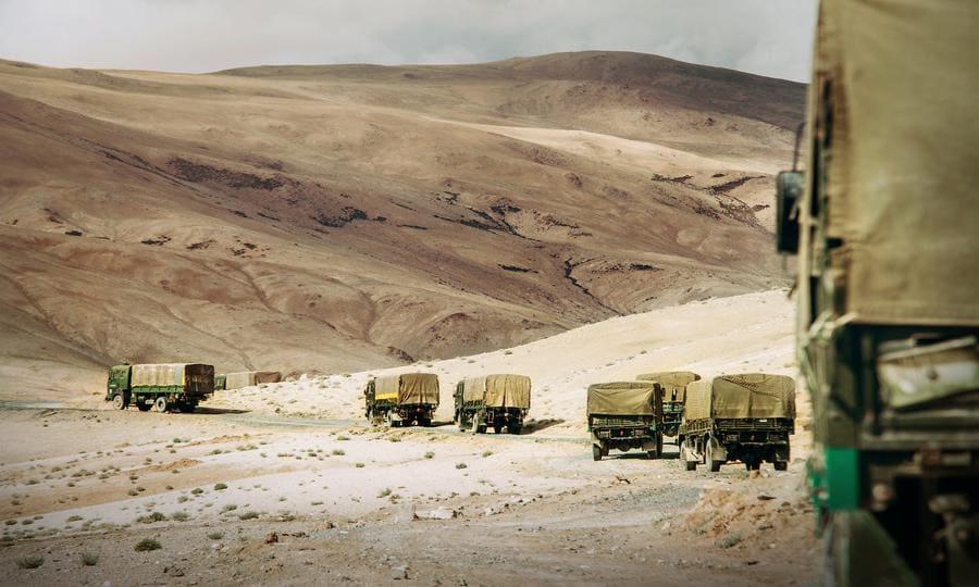 Índia inicia construção de pista de aterragem ao longo da fronteira chinesa, na Caxemira