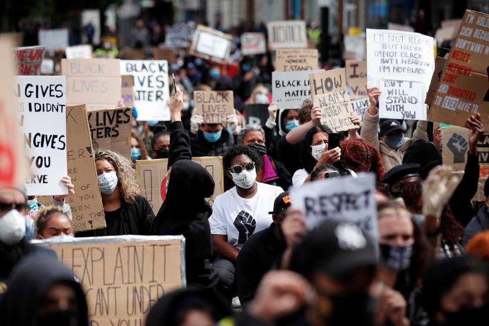 Protestos espalhados pelo mundo apoiam movimento 'Black Lives Matter'