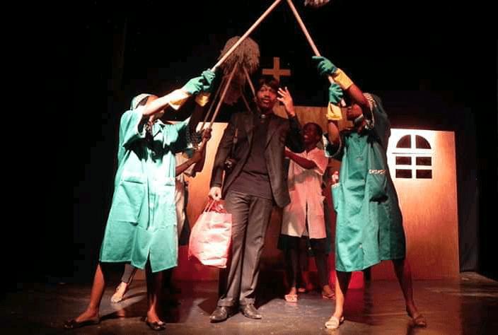 """Colectivo Miragens Teatro expectante em continuar com actividades comemorativas das """"bodas de prata"""" em Julho"""