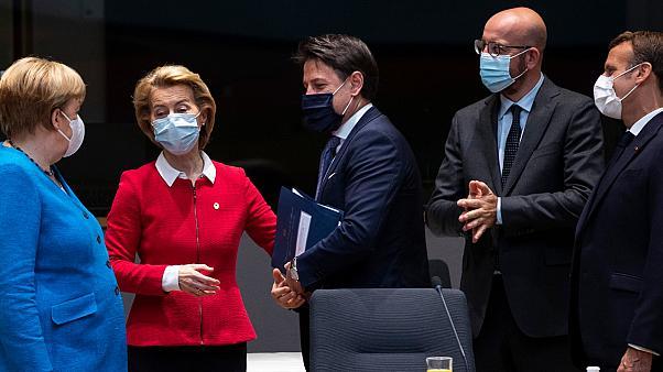 França, Alemanha e Itália ameaçam aplicar sanções à Líbia por violação de embargo de armas