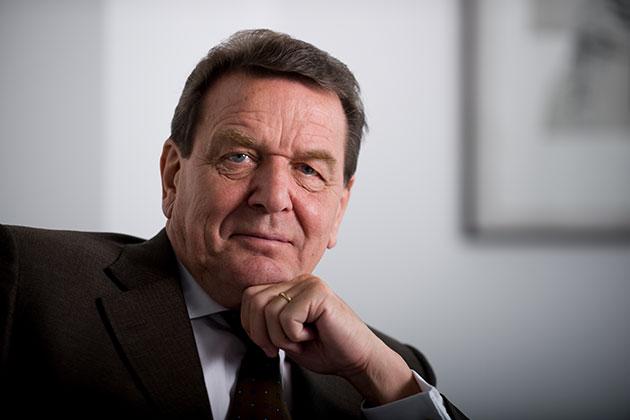 Sanções dos EUA são 'ataque à soberania da UE', afirma ex-chanceler alemão