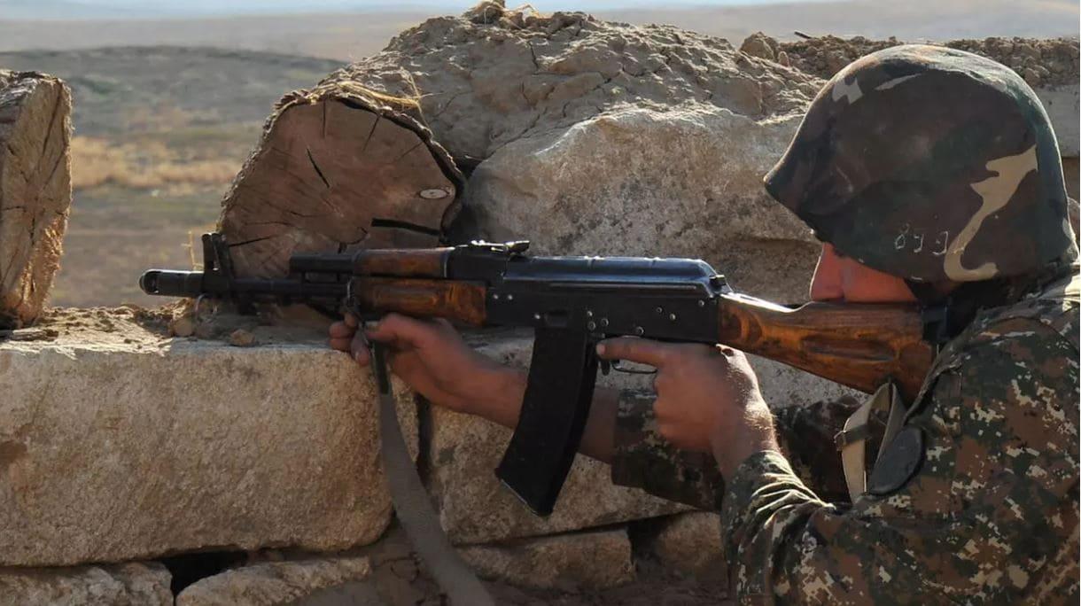 Combates entre Arménia e Azerbaijão deixam nove mortos