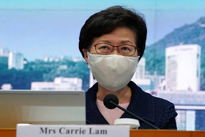 Hong Kong adia eleição em um ano após vetar candidatos opositores