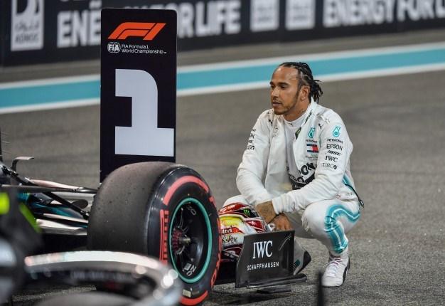 Hamilton na 'pole position' em Espanha