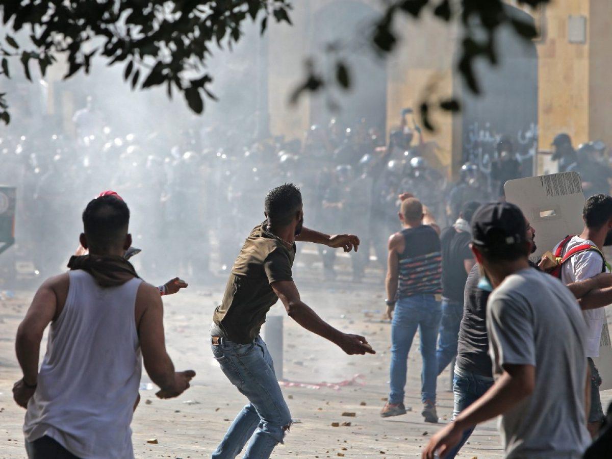 Governo libanês cai em meio a protestos em massa