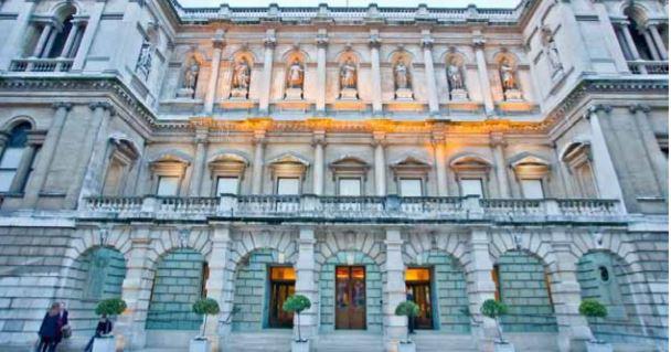 O dilema da Royal Academy: vender obra de Michelangelo ou despedir 150 pessoas