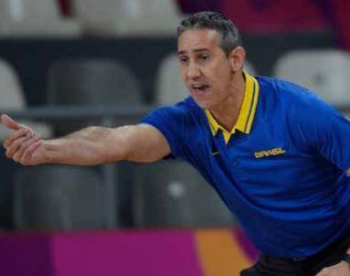 Petro contrata treinador brasileiro para a equipa de basquetebol