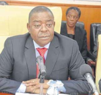 Governador de Cabinda satisfeito com obras do PIIM