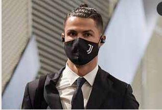 Cristiano Ronaldo testa positivo à Covid-19