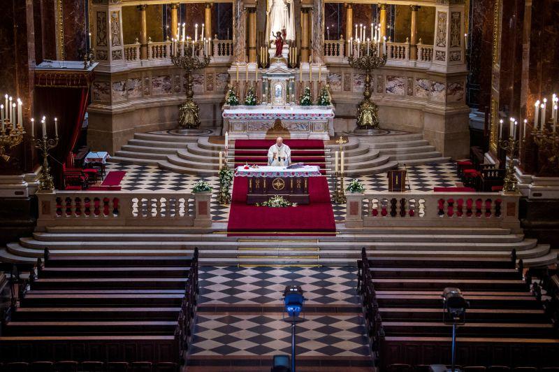 Igreja permite quatro missas diárias no Natal, Ano Novo e Dia de Reis