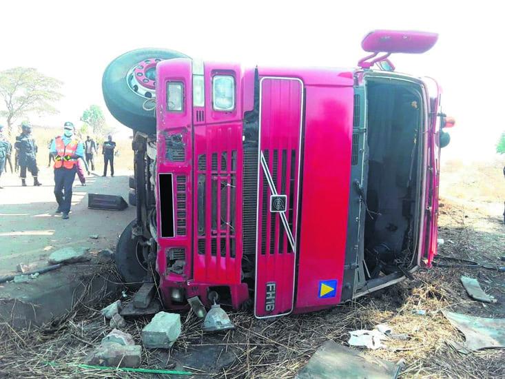 Camião desgovernado mata 4 pessoas em Luanda