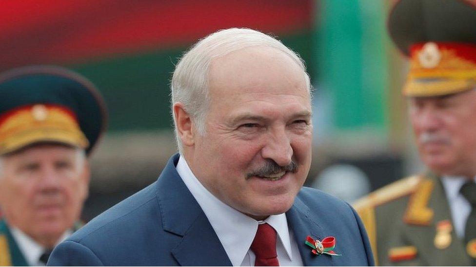 Lukashenko diz que a Bielorrússia deve elaborar uma reforma constitucional até ao final de 2021