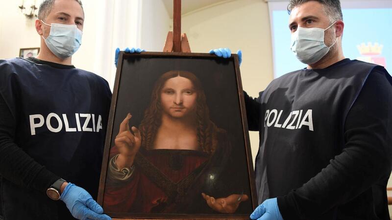 """Recuperado """"Salvator Mundi"""" da escola de Leonardo da Vinci roubado em Itália"""