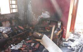 Cidadão acusado de matar a esposa ateando fogo na casa