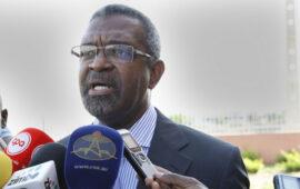 Dirigente do Bloco Democrático defende revisão da Constituição