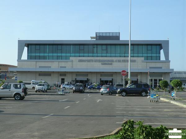 Queda elevada das receitas leva empresas do Aeroporto internacional a despedir funcionários