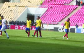 """Petro """"devorado"""" em Cabinda pelo Sporting no Estádio do Tafe"""