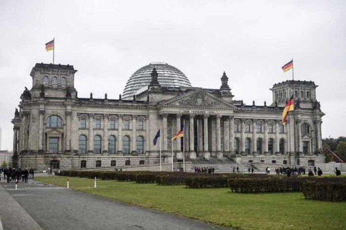 Alemão acusado de espionagem por transmitir dados parlamentares aos russos