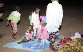 """Aumentam crianças arrastadas para as vigílias no """"Morro dos Veados"""""""