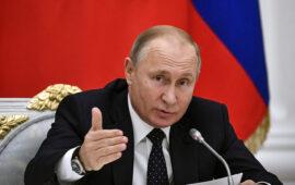 Putin diz internet pode destruir a sociedade se não for regida pela moral