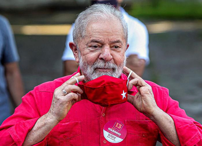 """Brasil: defesa de Lula classifica anulação como """"decisão histórica"""""""