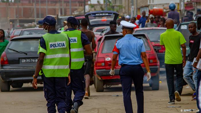 Detidos três cidadãos falsos agentes da Polícia no Huambo