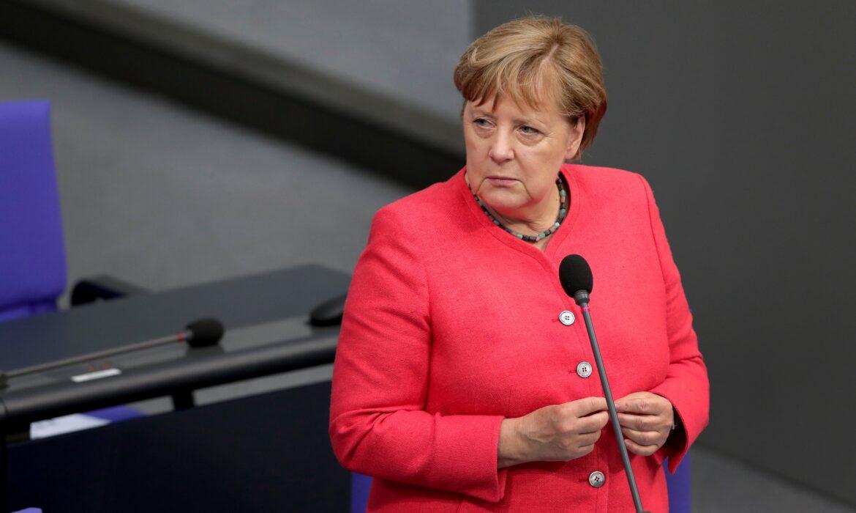 'Não podemos fechar todos os canais de comunicação com a Rússia', diz Merkel em discurso na APCE