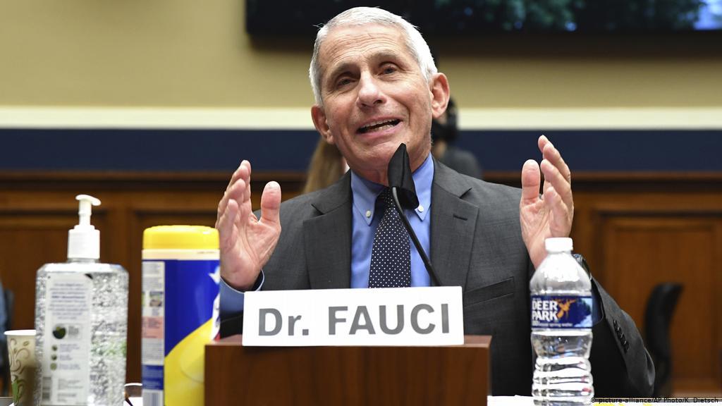 Anthony Fauci: EUA vivem momento crítico e estão à beira de enfrentar a 4ª onda da Covid-19