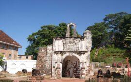 Dialecto português de Malaca 'migra' da sala de dança e música para a Internet