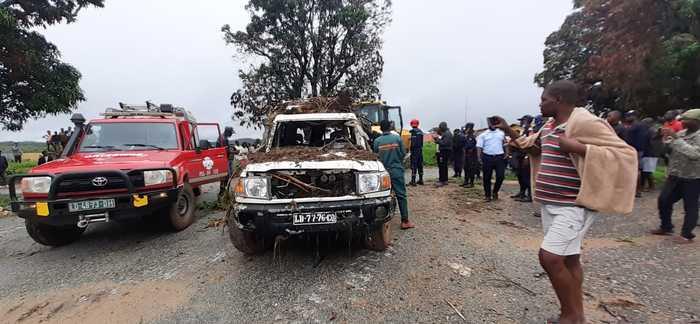 Bombeiros intensificam buscas de desaparecidos no rio Cutembo, mas com pouca esperança