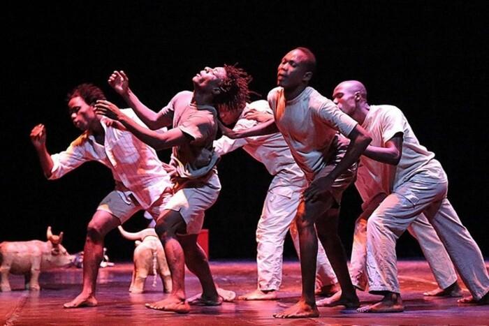 """Antigos e actuais bailarinos consideram """"letárgico"""" estado da dança em Luanda"""